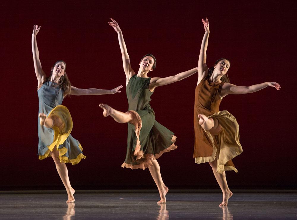 Jenn Weddel, Stacy Martorana and Rita Donahue in <I>L'Allegro, il Penseroso, ed il Moderato</I>.<br />© Kevin Yatarola. (Click image for larger version)