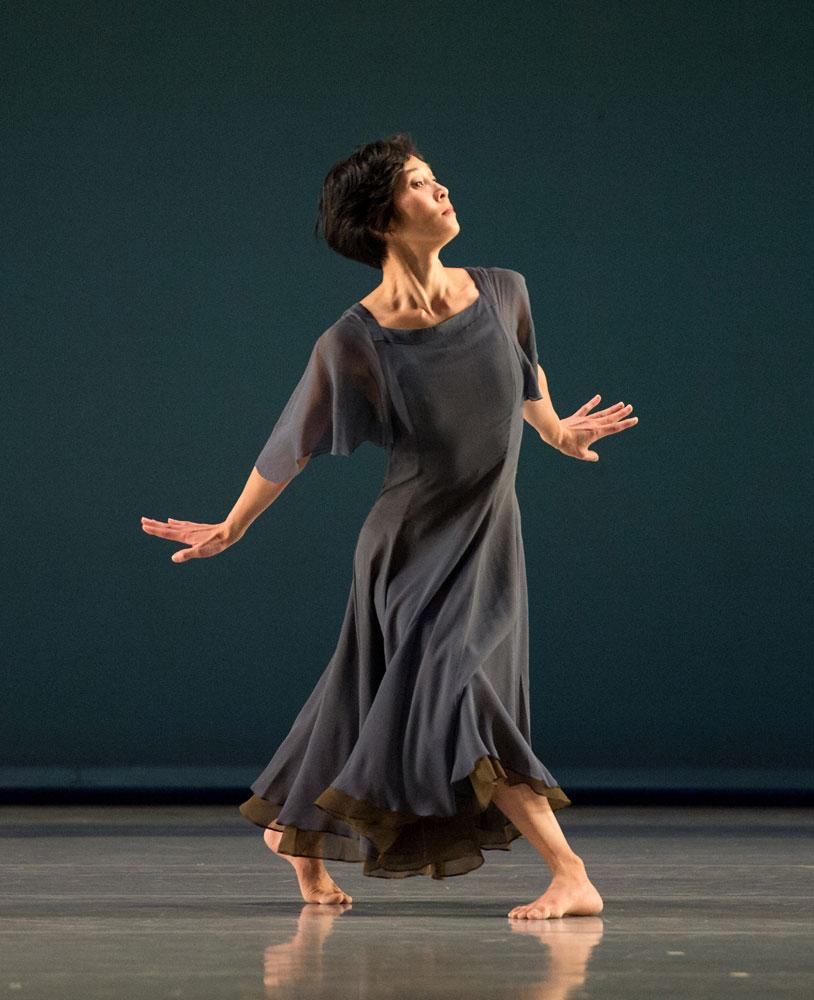 Maile Okamura in <I>L'Allegro, il Penseroso, ed il Moderato</I>.<br />© Kevin Yatarola. (Click image for larger version)