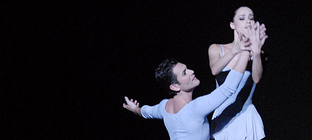 Michael Cook and Natalia Magnicaballi in <I>Duo Concertant</I>.<br />© Linda Spillers. (Click image for larger version)