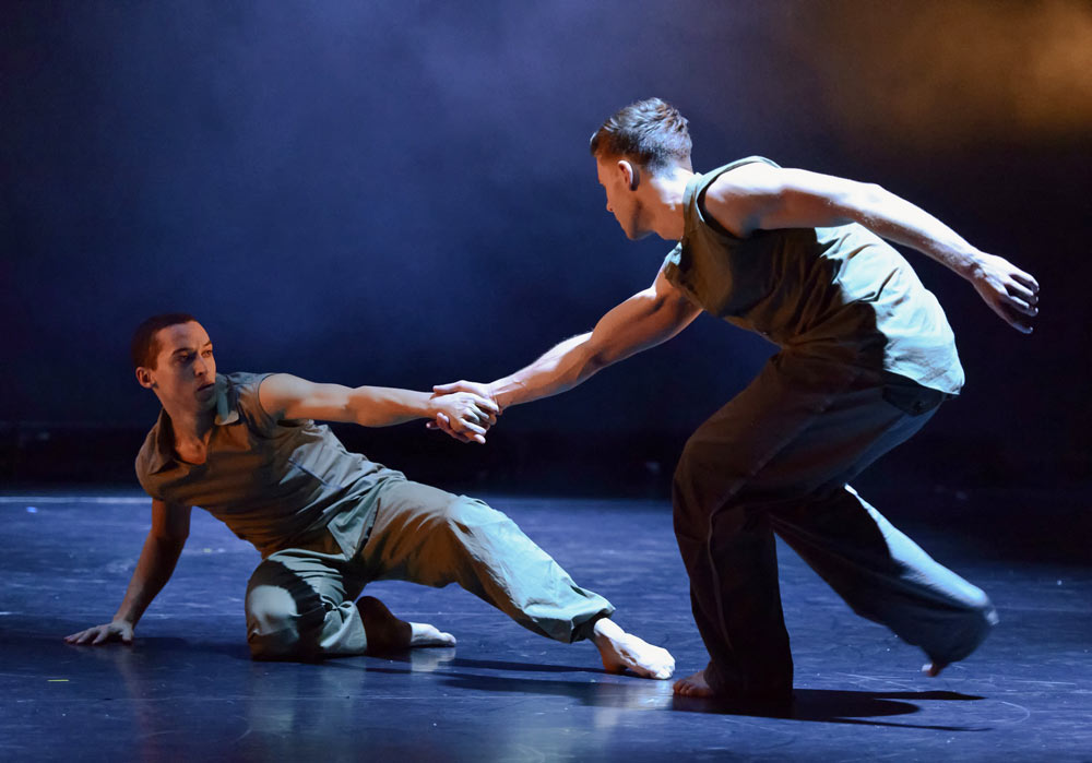 Leon Poulton and Adam Kirkham in Russell Maliphant's Fallen.© Mark Barrs. (Click image for larger version)
