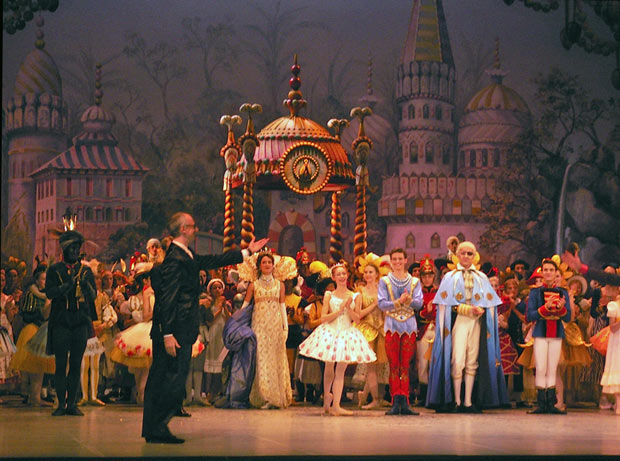 Yuri Burlaka at the premiere curtain call.<br />© Margaret Willis. (Click image for larger version)