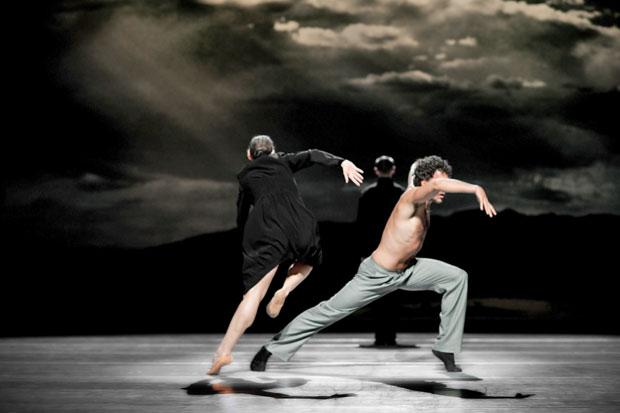 Nederlands Dans Theater in <I>Schmetterling</I>.<br />© Courtesy of Nederlands Dans Theater. (Click image for larger version)