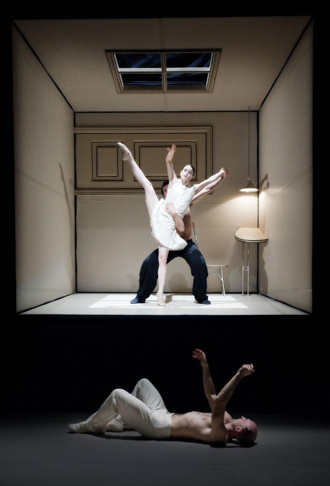 Nederlands Dans Theater in Sehnsucht.© Courtesy of Nederlands Dans Theater. (Click image for larger version)