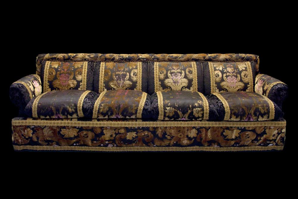 Sofa. Apartment Quai Voltaire.<br />© CNCS / Photo Pascal Francois. (Click image for larger version)