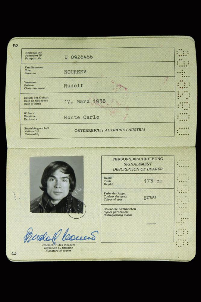 Rudolf Nureyev's second Austrian passport, 1990.<br />© CNCS / Photo Pascal Francois. (Click image for larger version)