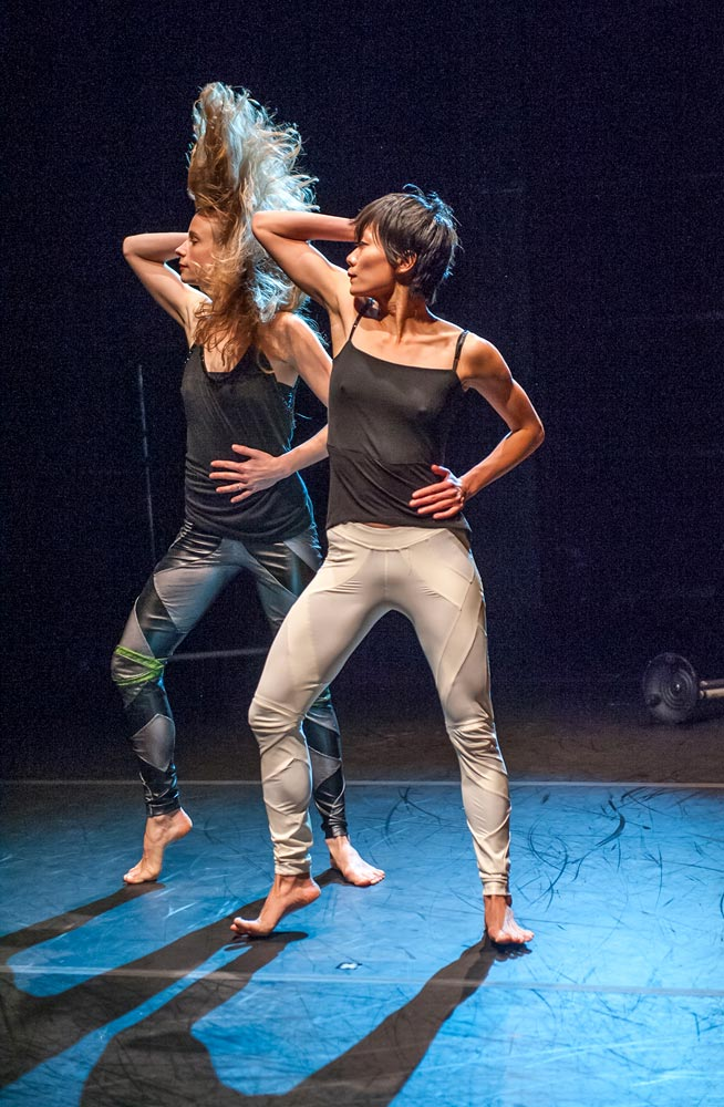 Kristin Clotfelter and Ching-I Chang in <I>Play/Pause</I>.<br />© Stephanie Berger. (Click image for larger version)