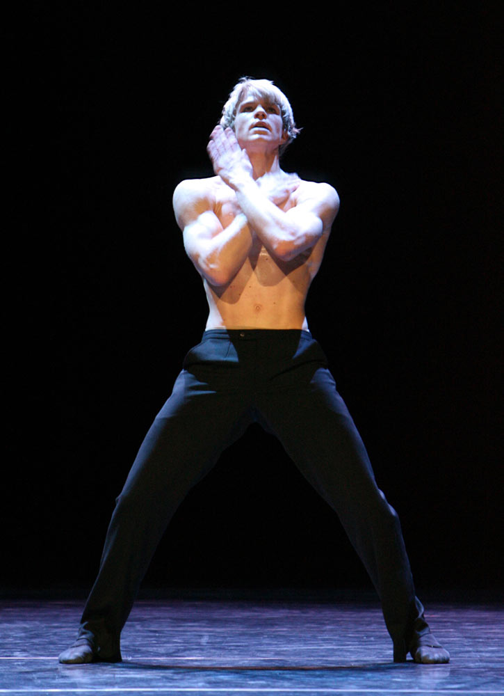 Marijn Rademaker in Marco Goecke's <I>Affi</I>.<br />© Stuttgart Ballet. (Click image for larger version)