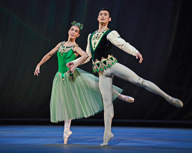 Laura Morera and Ryoichi Hirano in <I>Emeralds</I>, part of <I>Jewels</I>.<br />© Dave Morgan, by kind permission of the Royal Opera House.