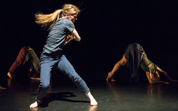 Hannah Rudd in Malgorzata Dzierzon's Hikikomori.© Foteini Christofilopoulou. (Click image for larger version)