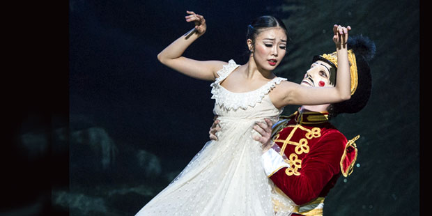 Shiori Kase and Nathan Young in <I>The Nutcracker</I>.<br />© Foteini Christofilopoulou. (Click image for larger version)