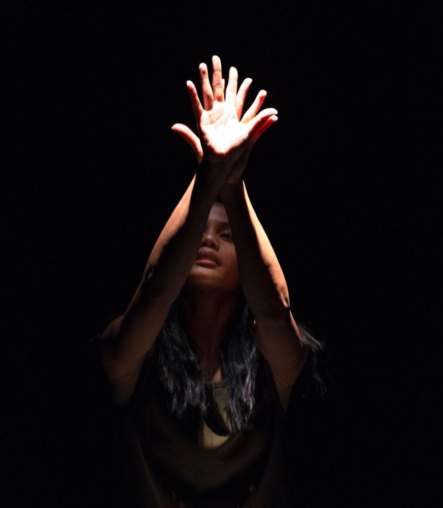 Antonette Dayrit in Patricia Okenwa's Solo.© Foteini Christofilopoulou. (Click image for larger version)