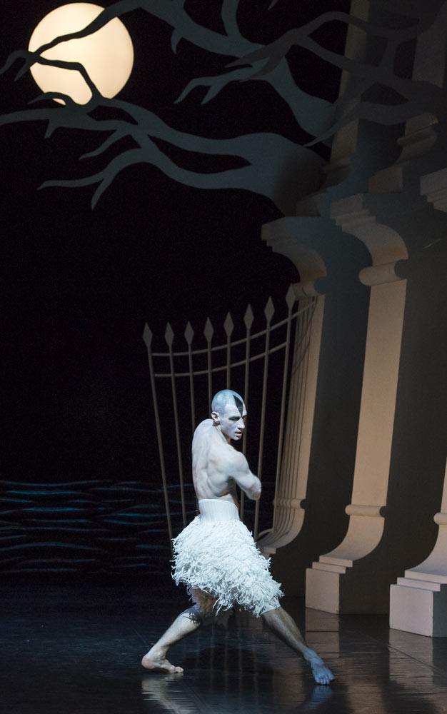 Jonathan Ollivier in Matthew Bourne's Swan Lake.© Foteini Christofilopoulou. (Click image for larger version)