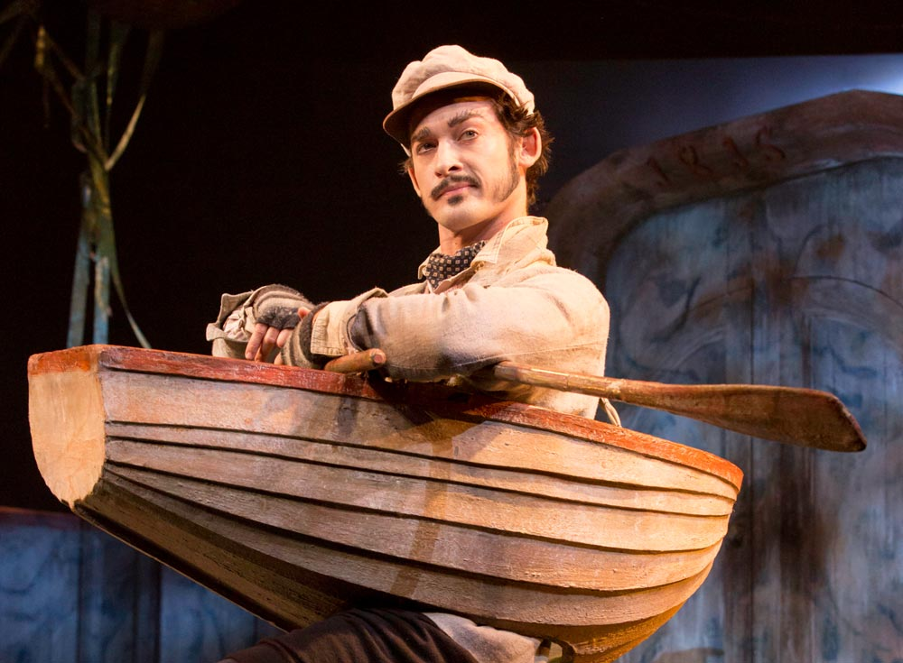 Will Kemp as Ratty in The Wind in the Willows.© Johan Persson. (Click image for larger version)