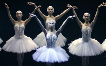 Russian State Ballet of Astrakhan in Swan Lake.© Marina Panova. (Click image for larger version)