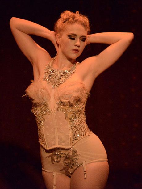 Katrina Cunningham in <I>Nutcracker Rouge</I>.<br />© Nir Arieli.