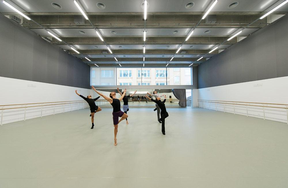 The Marie Rambert Studio in Rambert's new home.© Hugo Glendinning. (Click image for larger version)