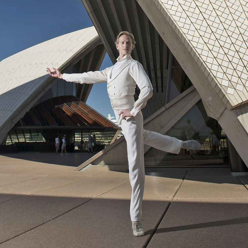 David Hallberg at Sydney Opera House.© Wendell Levi Teodoro. (Click image for larger version)