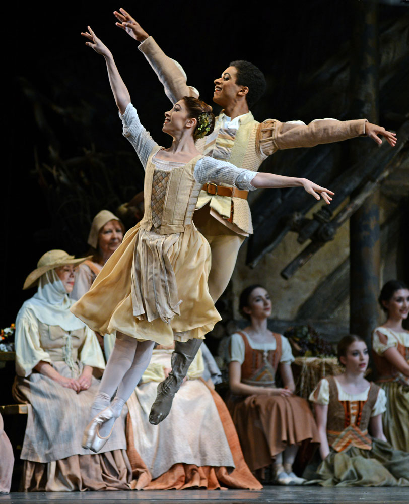 Yasmine Naghdi and Marcelino Sambe in Giselle.© Dave Morgan, courtesy the Royal Opera House. (Click image for larger version)