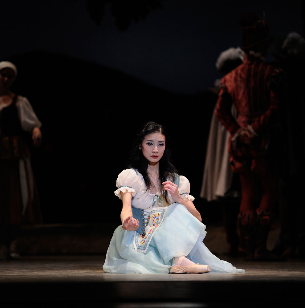 Yuan Yuan Tan in Tomason's <I>Giselle</I>.<br />© Erik Tomasson. (Click image for larger version)