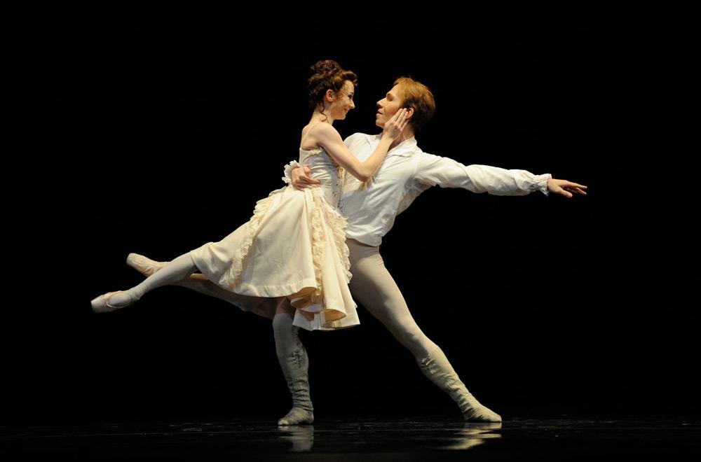 Maria Kochetkova and Johan Kobborg in MacMillan's <I>Manon</I>.<br />© Erik Tomasson. (Click image for larger version)