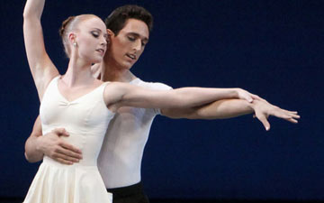 Justin Peck and Teresa Reichlen in George Balanchine's Concerto Barocco.© Paul Kolnik. (Click image for larger version)