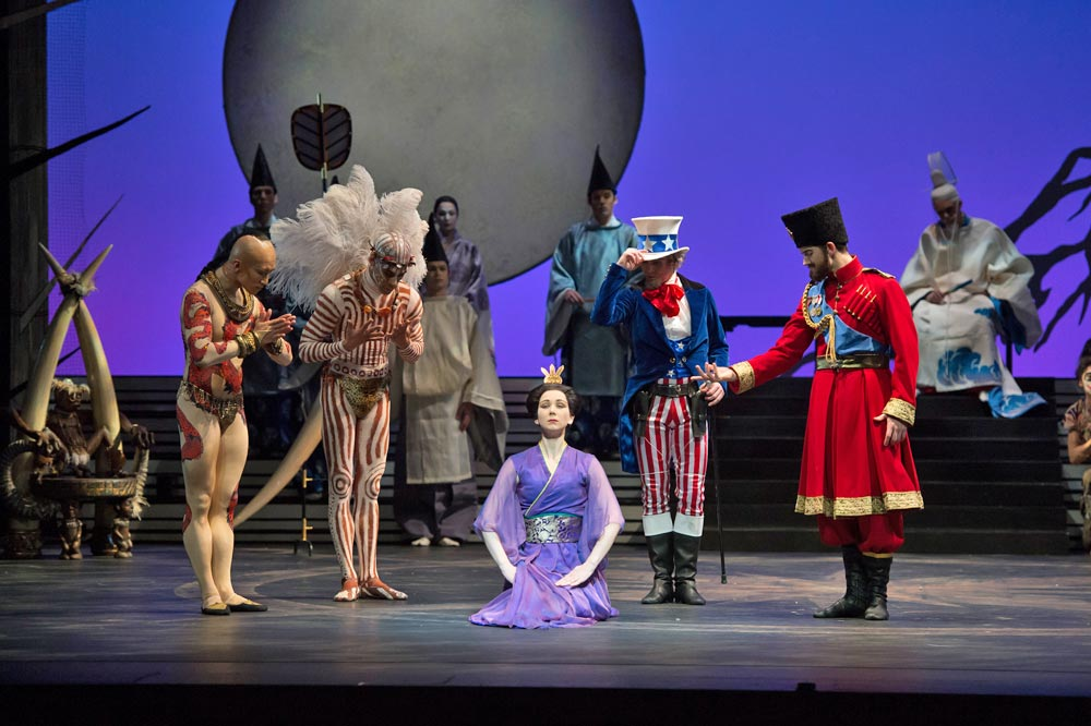 Elisha Willis (Empress Epine) with the Kings - Chi Cao (East), Tyrone Singleton (South), James Barton (West) and Mathias Dingman (North) in The Prince of the Pagodas.© Bill Cooper. (Click image for larger version)