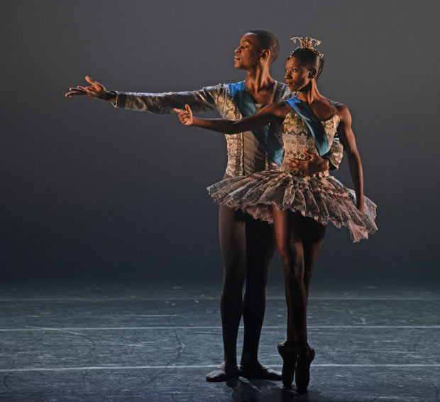 Cira Robinson and Damien Johnson in <I>A Dream Within a Midsummer Night's Dream, Midsummer Night's Dream</I>.<br />© Dave Morgan. (Click image for larger version)