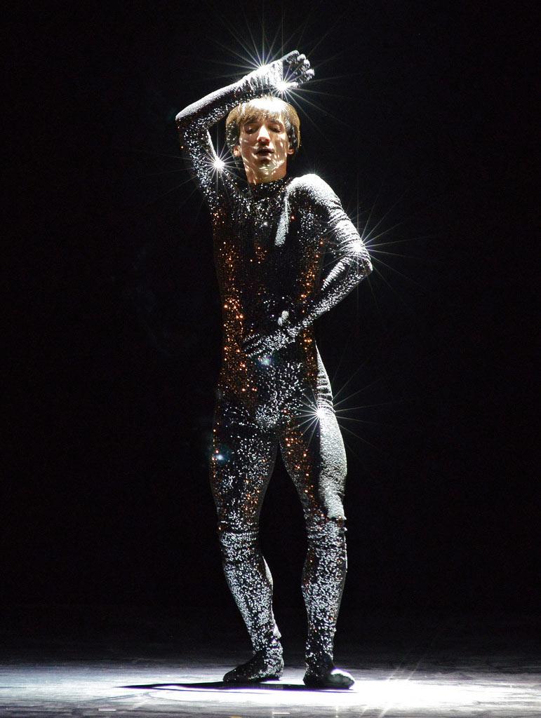 Daniel Proietto in <I>Sinnerman</I>.<br />© Dave Morgan. (Click image for larger version)