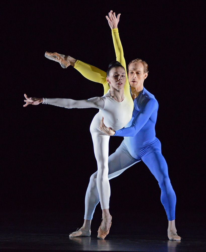 Natalia Osipova and Edward Watson in Tetractys - The Art of Fugue.© Dave Morgan, courtesy the Royal Opera House. (Click image for larger version)