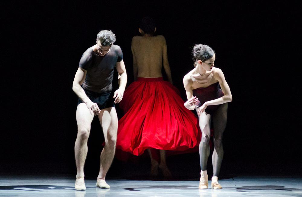 Sabi Varga, Petra Conti and Rie Ichikawa in Jiri Kylian's <I>Bella Figura</I>.<br />© Gene Schiavone. (Click image for larger version)