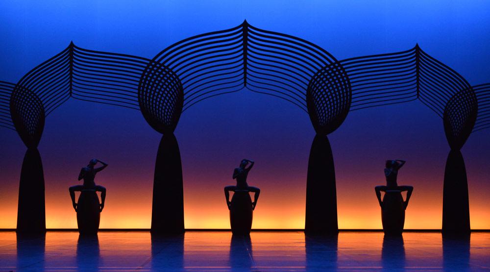 Ballet Preljocaj in <I>Les Nuits</I>.<br />© Jean-Claude Carbonne. (Click image for larger version)
