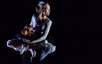 Compagnie Philippe Genty in Forget Me Not.© Pascal Francois. (Click image for larger version)