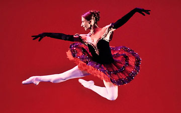 Daria Klimentova in Christopher Hampson's TBA.© Pavel Hejny and taken from Bruce Marriott's review of the 2010 Daria Klimentova Gala in Prague for Balletco. (Click image for larger version)
