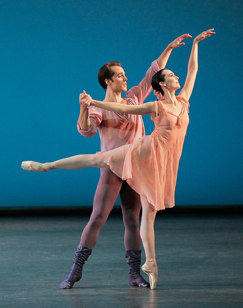 Jenifer Ringer and Jared Angle in <I>Dances at a Gathering</I>.<br />© Paul Kolnik. (Click image for larger version)