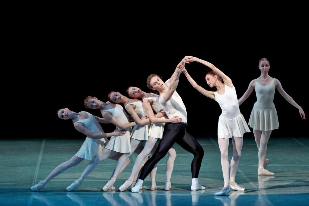 Perm Ballet in <I>Concerto Barocco</I>.<br />© Anton Zavialov. (Click image for larger version)