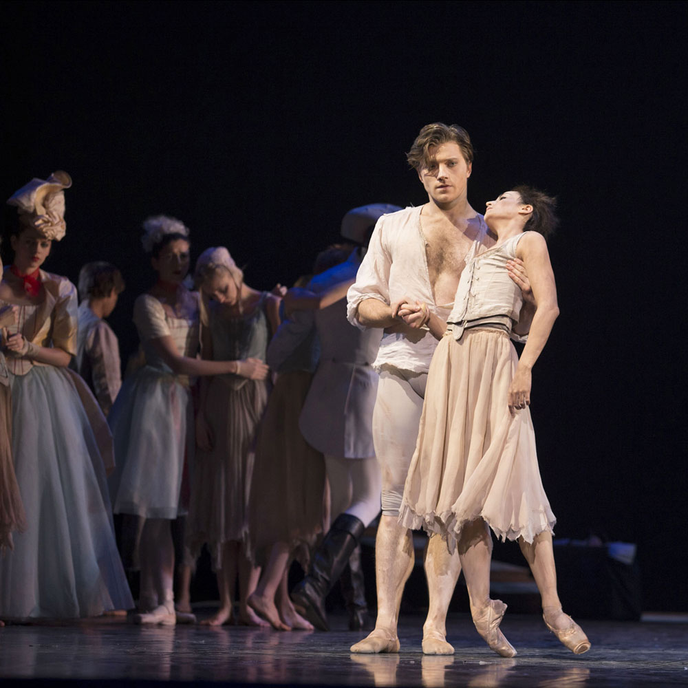 Alban Lendorf and Alexandra Lo Sardo in <I>Manon</I>.<br />© Costin Radu. (Click image for larger version)