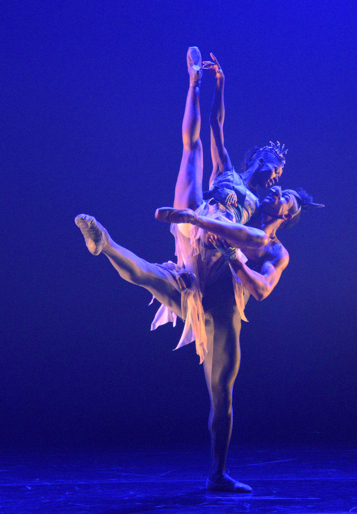 Jose Alves and Cira Robinson in <I>A Dream Within a Midsummer Night's Dream</I>.<br />© Dave Morgan. (Click image for larger version)