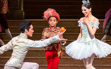 Misa Kuranaga and Jeffrey Cirio in Cinderella.© Gene Schiavone. (Click image for larger version)