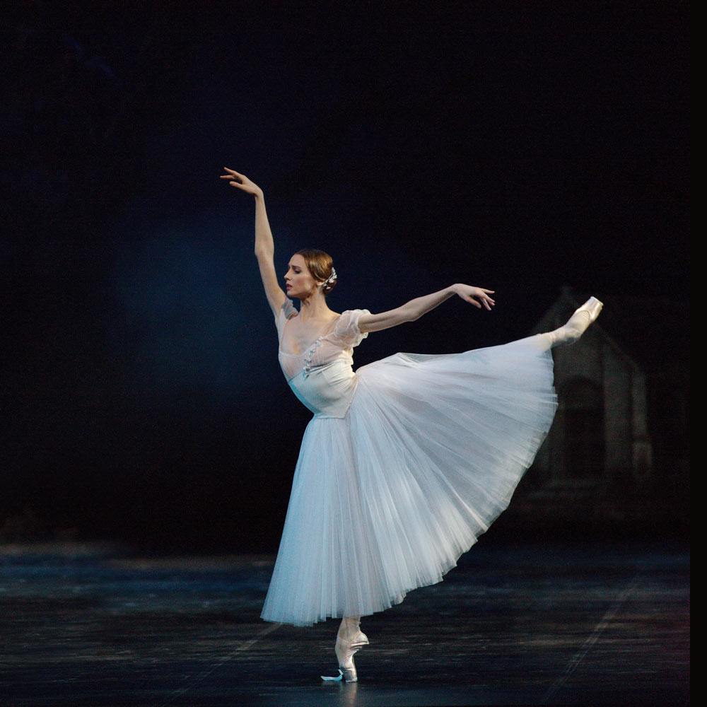 Svetlana Zakharova in <I>Giselle</I>.<br />© Marco Brescia and Rudy Amisano, Teatro alla Scala. (Click image for larger version)