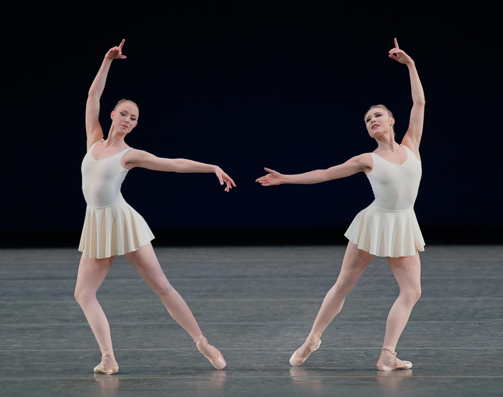 Teresa Reichlen and Sara Mearns in <I>Concerto Barocco</I>.<br />© Paul Kolnik. (Click image for larger version)