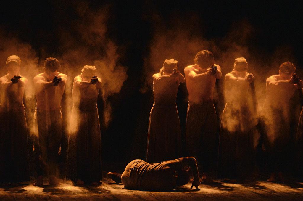 Akram Khan and ENB dancers in Khan's <I>Dust</I>.<br />© Dave Morgan. (Click image for larger version)