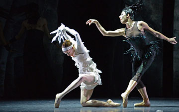 Anja Behrend and Maude Sabourin in LAC.© Dave Morgan. (Click image for larger version)