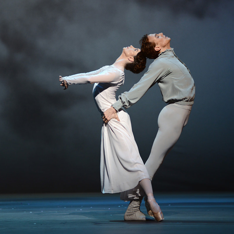 Lauren Cuthbertson and Edward Watson in Christopher Wheeldon's The Winter's Tale.© Dave Morgan, courtesy the Royal Opera House. (Click image for larger version)