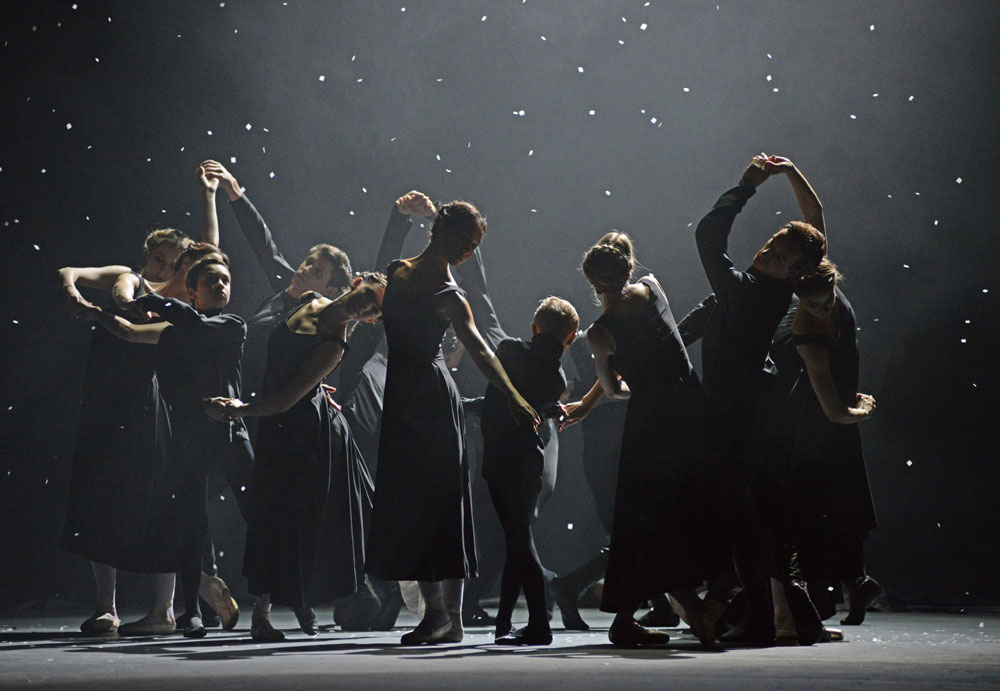 Funeral of the old Kings at the start of Christopher Wheeldon's <I>The Winter's Tale</I>.<br />© Dave Morgan, courtesy the Royal Opera House. (Click image for larger version)