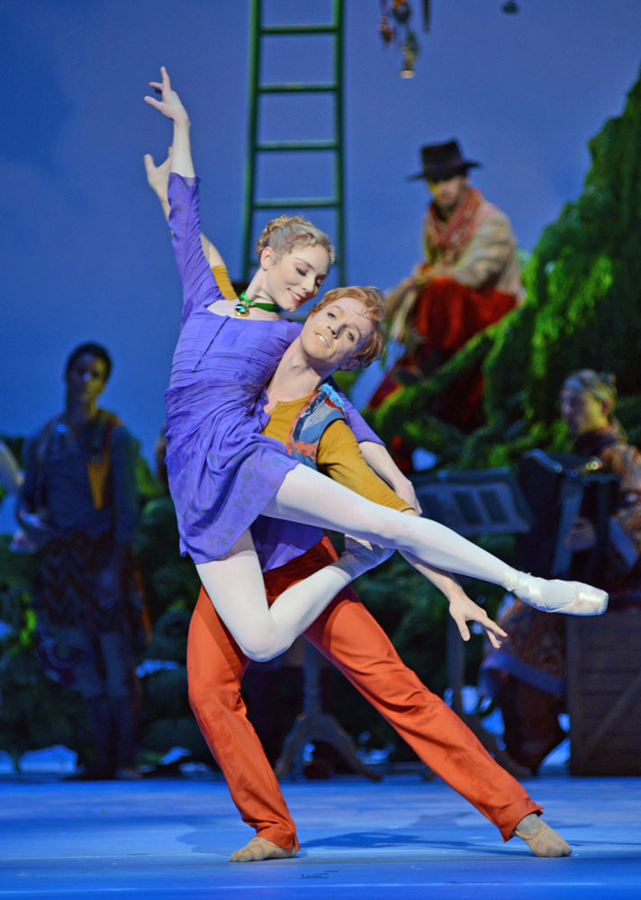 Sarah Lamb and Steven McRae in Christopher Wheeldon's <I>The Winter's Tale</I>.<br />© Dave Morgan, courtesy the Royal Opera House. (Click image for larger version)