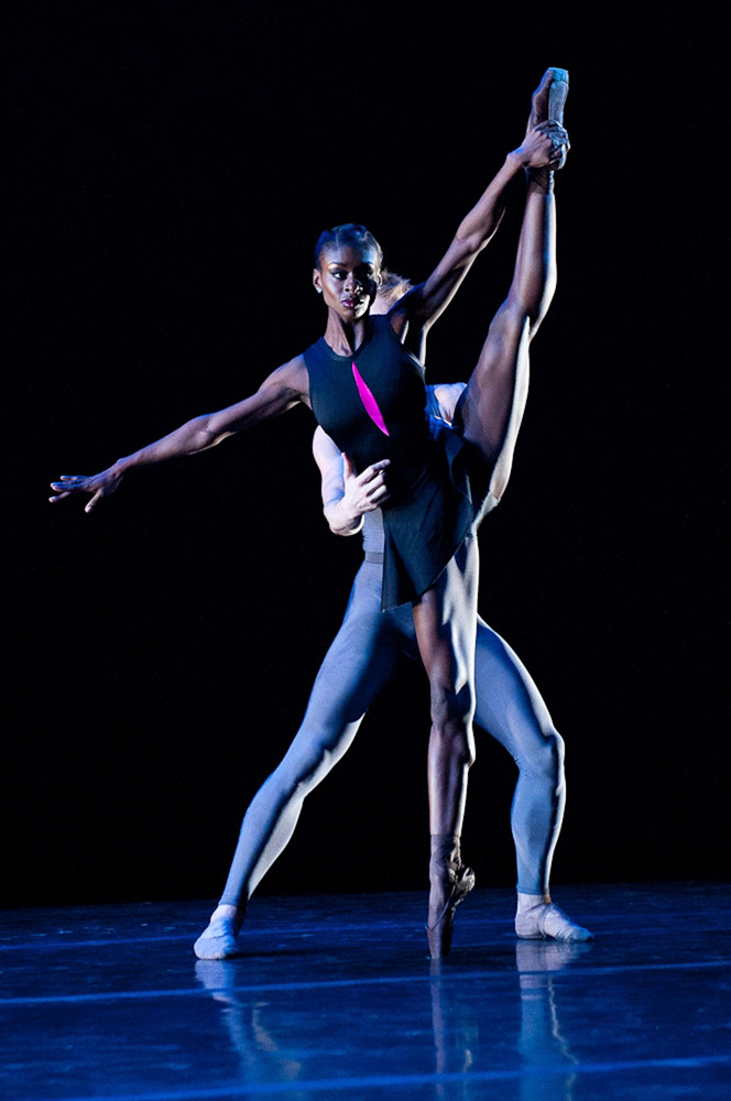 Ashley Murphy and Samuel Wilson in Contested Space.© Rachel Neville. (Click image for larger version)