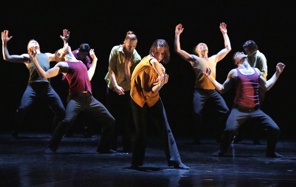 Baltic Dance Theatre in Patrick Delcroix's <I>Clash</I>.<br />© Sebastian Cwikla. (Click image for larger version)