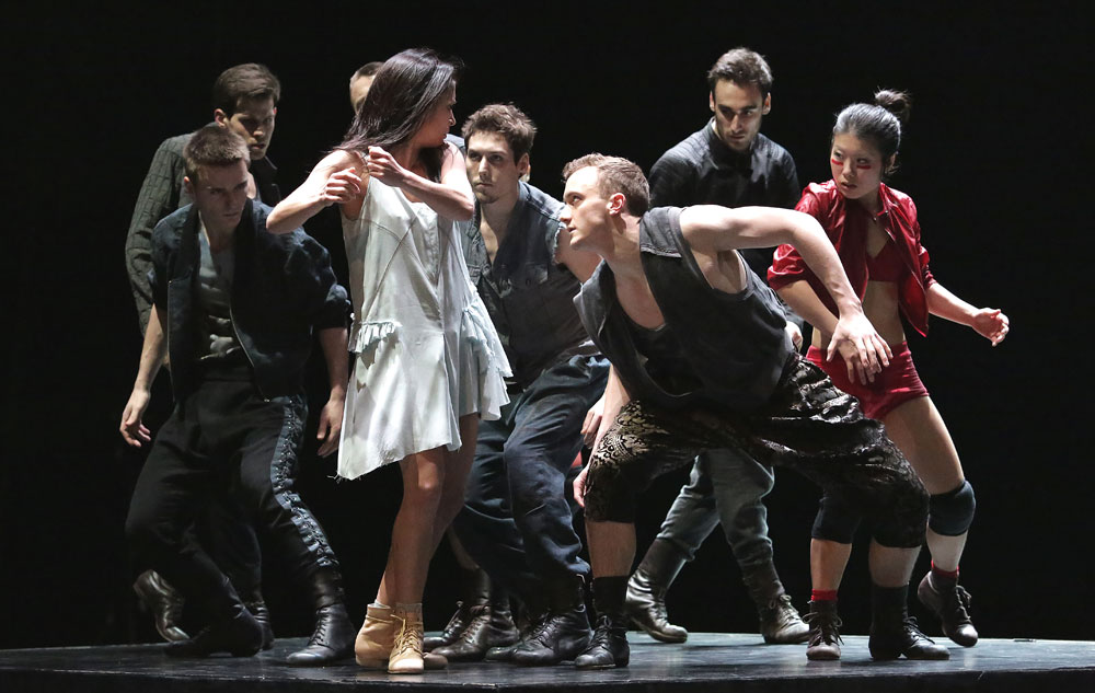 Baltic Dance Theatre in <I>Light</I> by Izadora Weiss.<br />Foreground: Franciszka Kierc (Girl), Harry Price ( a Violator) and Sayaka Haruna (a Devil). In the background are Daniel Flores Pardo, Bartosz Kondracki, Filip Lobl and Hodei Iriate Kaperotxipi.<br />© Sebastian Cwikla. (Click image for larger version)