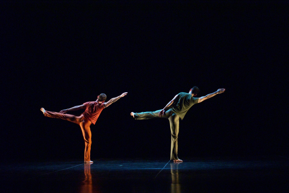 Trisha Brown Company in <I>Rogues</I>.<br />© Stuart Shugg. (Click image for larger version)