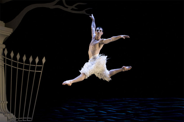 Jonathan Olliver in Matthew Bourne's <I>Swan Lake</I>.<br />© Bill Cooper. (Click image for larger version)(Click image for larger version)